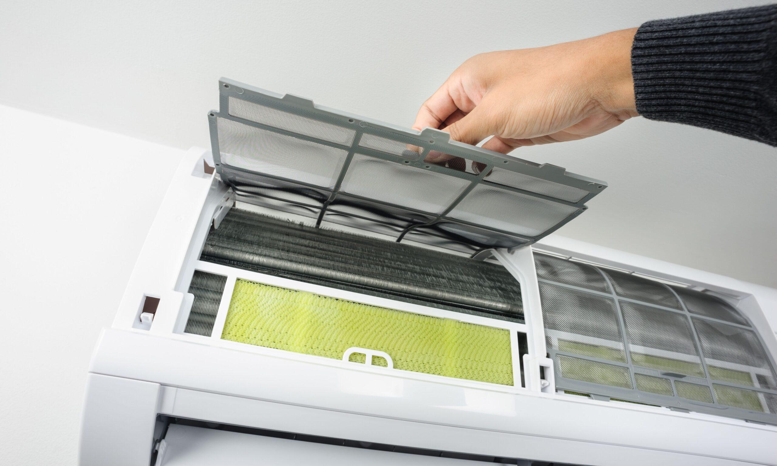 Sanificazioni e controlli dei condizionatori in ambienti di lavoro